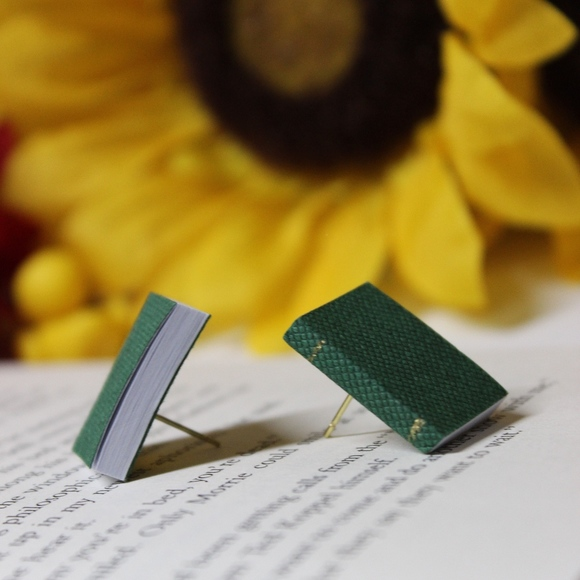Veronica Nagorny Jewelry - NWT Green Book Stud Earrings